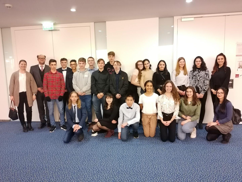 Klasse 10a besucht die Oper Carmen